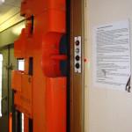 BDbmsee 447, 51 54 82-70 092-6, DKV Praha, zvedací plošina, R 760, 12.05.2012