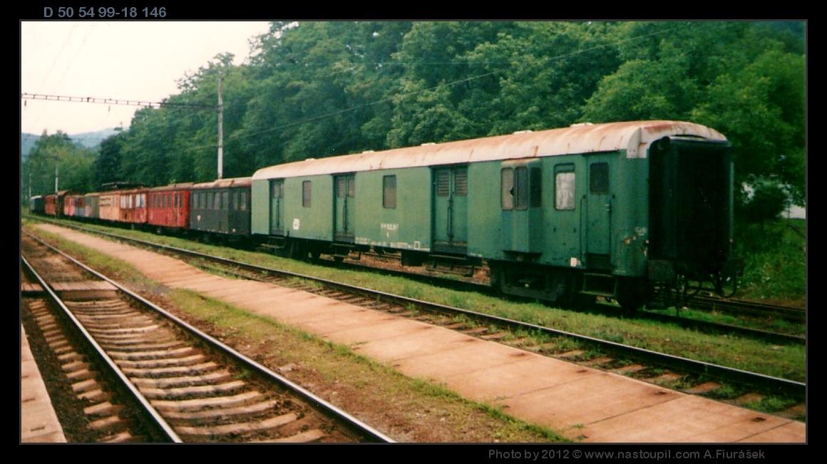 D, 50 54 99-18 146, Velké Březno, 17.07.2003, scan starší fotografie, pohled na vůz