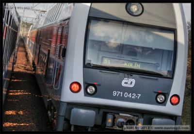971, 042-7, DKV Praha, 12.04.2012, Úsek trati Praha hl.n.-Kolín, čelo vozu