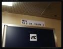Bmee 234, 51 81 21-70 579-3, DKV Praha, 06.12.201, Ex 521 Praha-Staré Město u U.H., nápisy ve voze