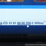 WRmz 817, 61 81 88-90 208-3, DKV Praha, Pardubice hl.n., 29.3.2015, označení