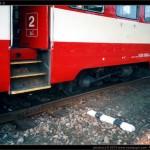 020 004-8, po vykolejení, Jeseník 03.04.2005, scan starší fotografie, podvozek